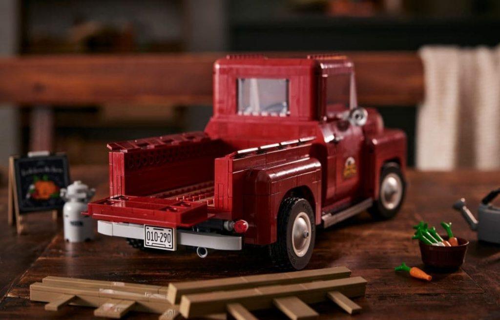 LEGO 10290 Pickup Truck