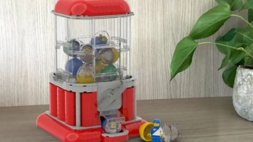 LEGO Ideas Minifigure Gumball Machine