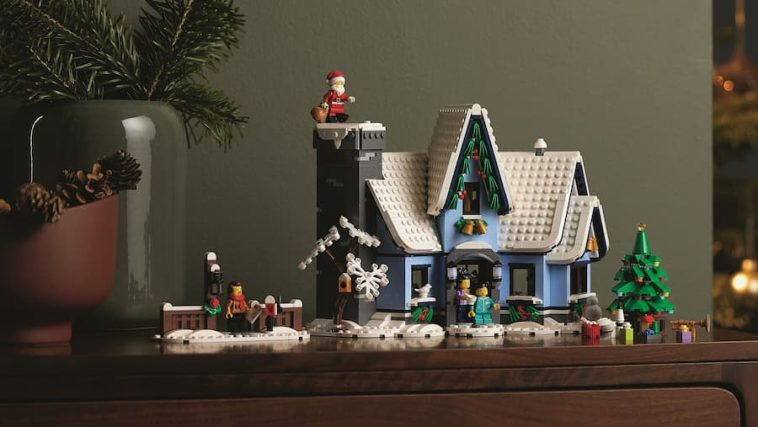 LEGO 10293 Winter Village Santa's Visit